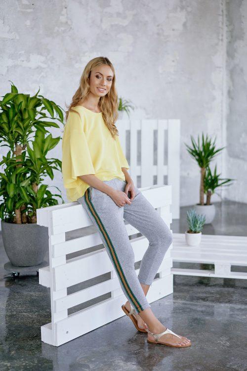 Hvit eller gul modal/bom topp med 3/4 erm Cotton Candy - 1192-SW-01 Jordis
