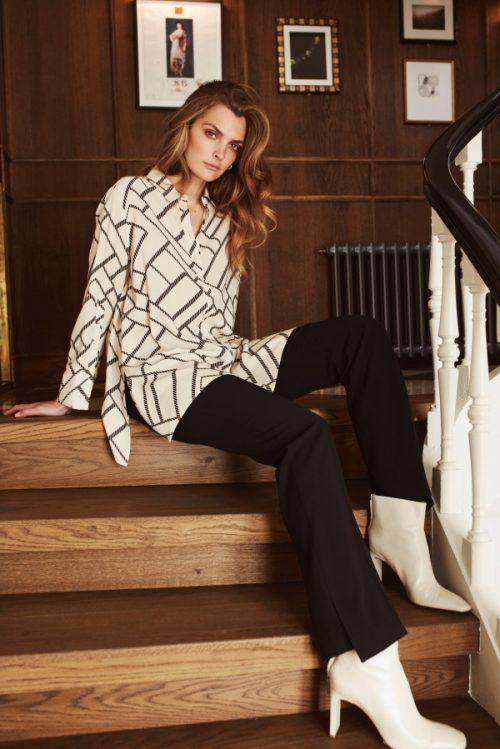Krem med sort grafisk print viskose lang bluse Katrin Uri - 433 uri max shirt