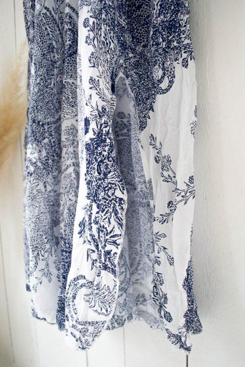 Lang paisley blåmønstret kjole OneSeason - long poppy white/indigo