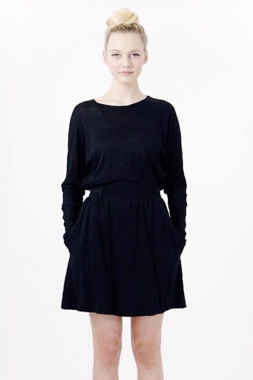 Hvit eller sort strikket kort linskjørt Cathrine Hammel - Linen short flared skirt