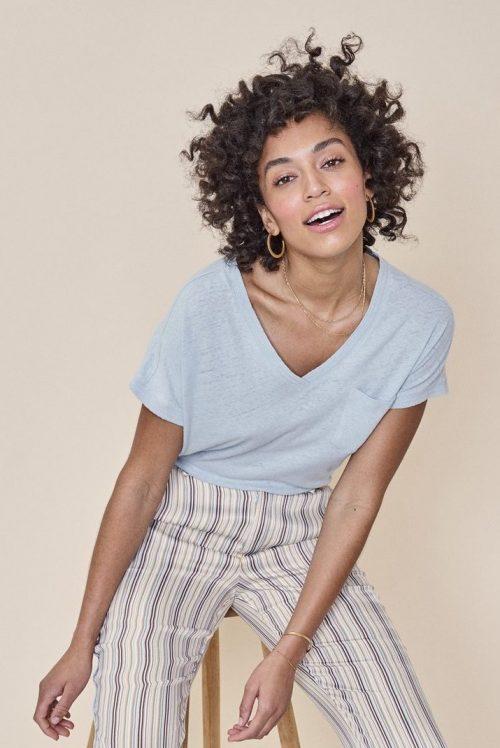 Dus rosa, lyseblå eller beigesand lin/bomull t-shirt med v-hals og lomme Mos Mosh - 131910 maya v-neck tee