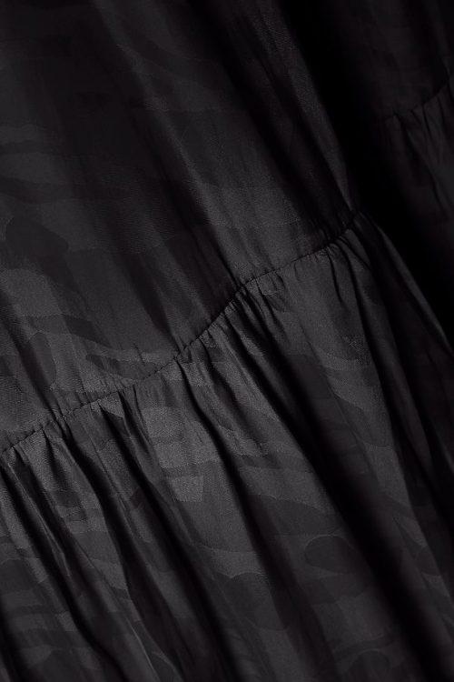 Cool sort kjole laget av resirkulert flastflasker Gestuz - vanya