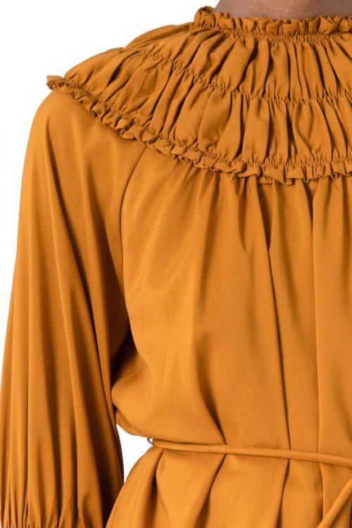Sort eller offwhite bluse med vaffelkrage Cathrine Hammel - 4562 gathered neckline top