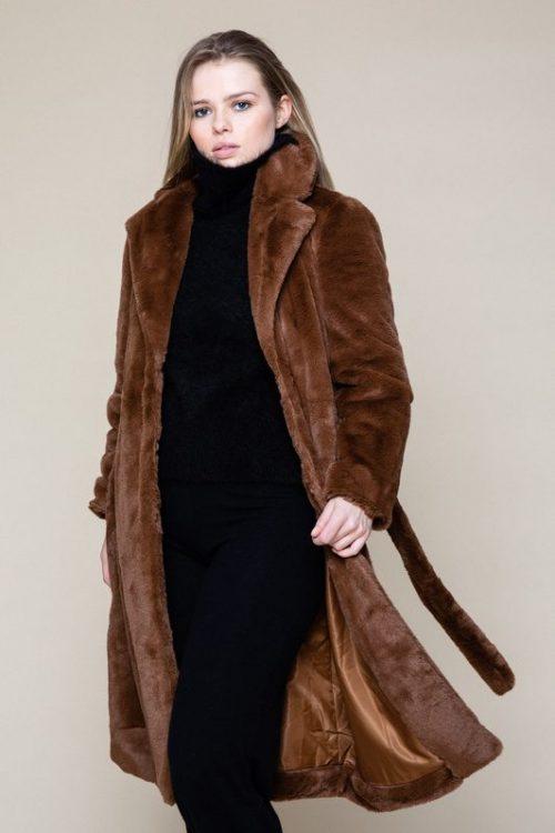 Beige (ikke kanel) 'mink' fuskekåpe Ella&Il - juicy fake fur