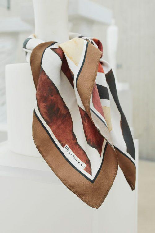 Rustgrønnmønstret silkeskjerf Katrin Uri - 941 sahara day silk scarf