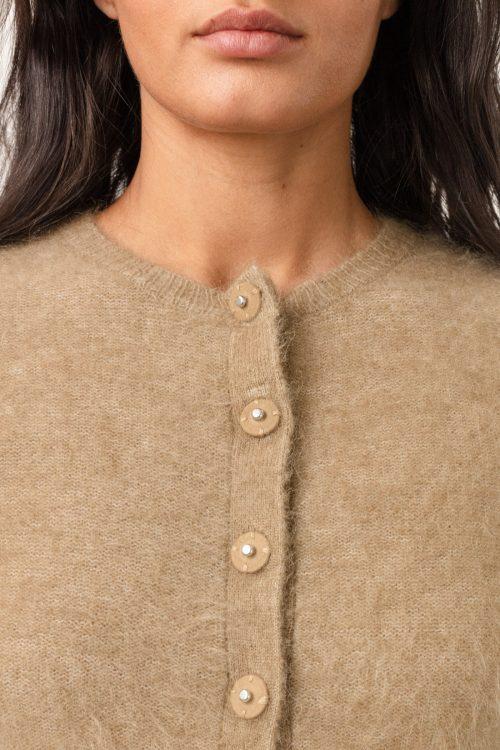 Lys beige eller sort soft mohair cardigan Cathrine Hammel - soft petit cardigan (Vist i en annen farge)