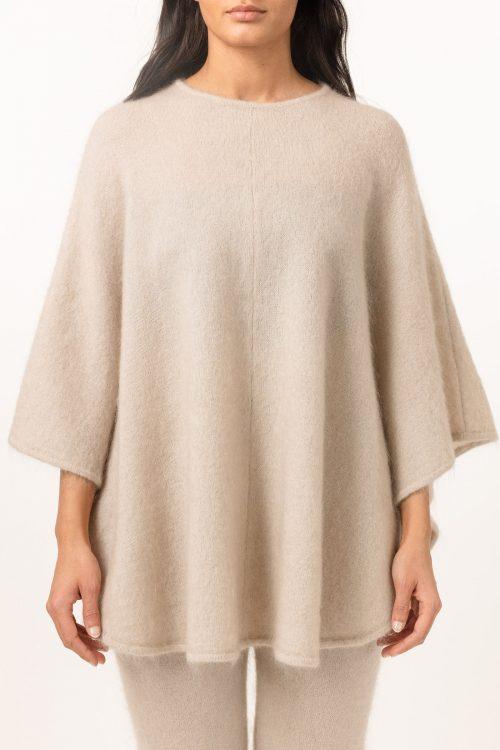 Sort, army green eller beige soft mohair poncho Cathrine Hammel - Soft demi curvy poncho 162.121
