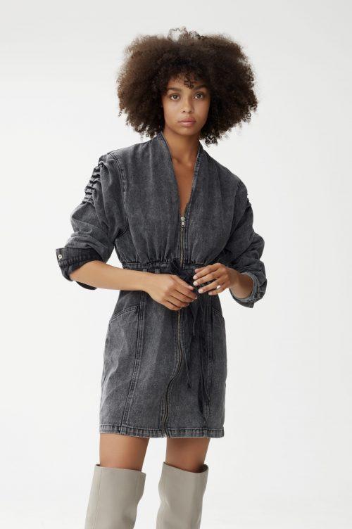Stormy grey trendy utvasket jeanskjole med puff på skuldre og belte Gestuz - aleah dress