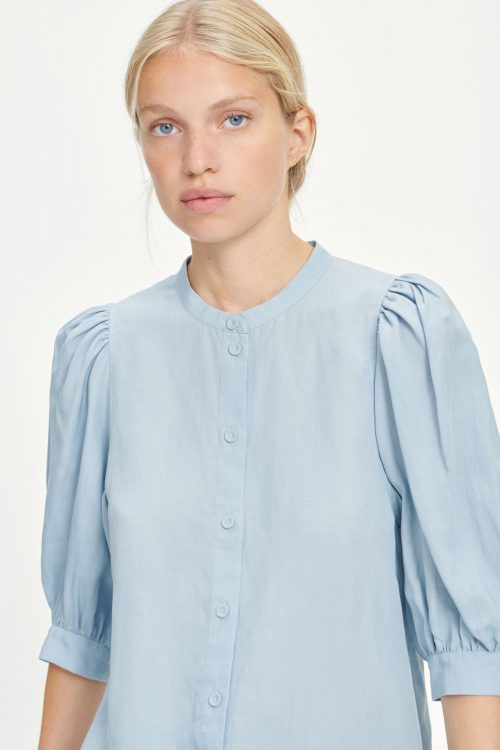 Dusty blue tencel/lin bluse med puffermer Samsøe - Mejse shirt 12771