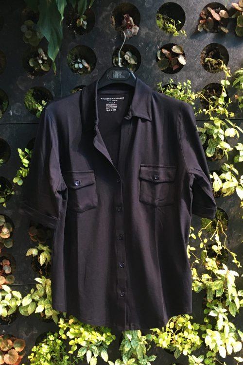 Hvit, marine eller bringebær viskose skjorte med brystlommer og kort erm Majestic - m001 fch 014
