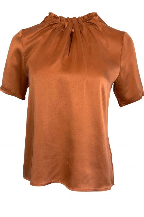 Pumkin (orange), dueblå eller hvit bluse drapering i utrigning og kort erm Amuse by Veslemøy - 61182