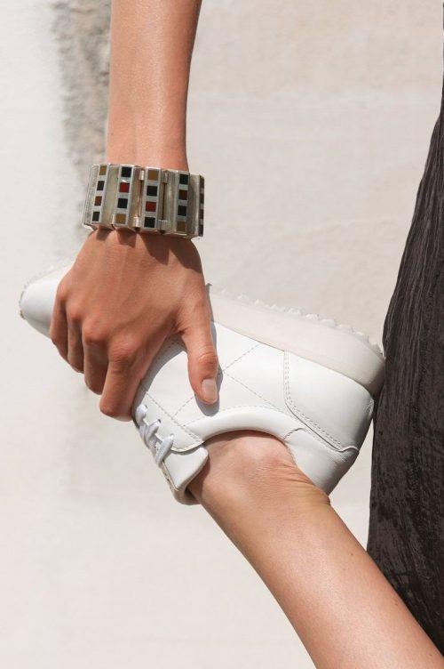 Hvite 'gammeldagse' trendy sneakers Shoe Biz - scabi B9241