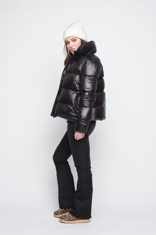 Sort dunjakke Ella&Il - indie down jacket Sort sports bukse Ella&Il - tilla sport pants