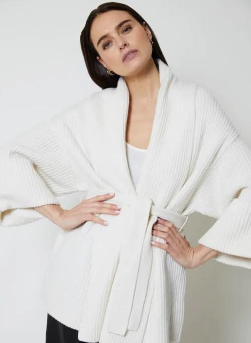 Perle naturell praktfull 100% ull ribbestrikket jakke med belte Notshy - narges