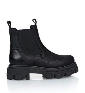 Sorte ankel matte skinnboots med chunky såle og elastiske stretchfelt i sidene Shoe Biz - B9565 Ulrica