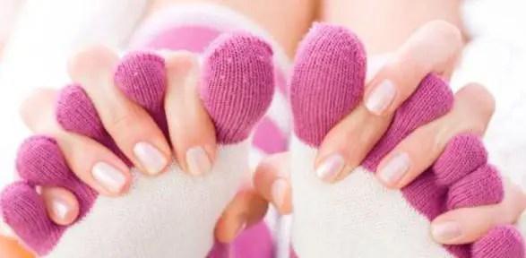 piedi freddi rimedi naturali Mani e piedi freddi: cause e rimedi naturali