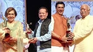 Salim khan, Bhandarkar, Helen get Deenanath Mangeshkar Award