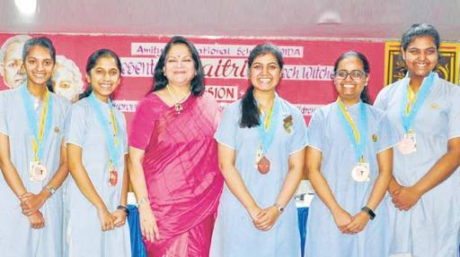 "Indian girls create an app ""Maitri"" won tech prize in US"