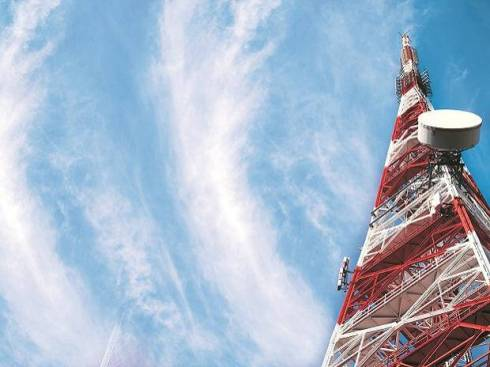 Govt sets up panel of secretaries to help ease stress in telecom sector