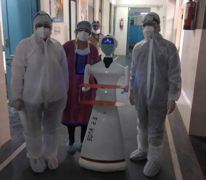Coronavirus- Jaipur's Sawai Man Singh hospital tests serving robot