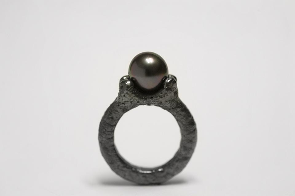 ring, 2014 : silver, tahitian pearl, niello