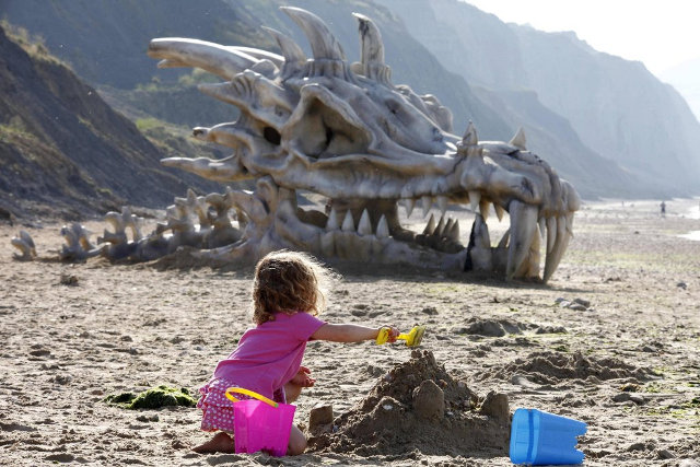 dragon-skull-beach-2