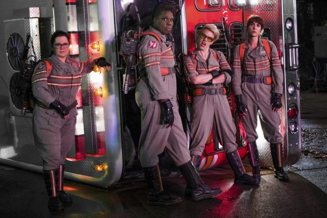 "Abby (Melissa McCarthy), Patty (Leslie Jones), Holtzmann (Kate McKinnon) and Erin (Kristen Wiig) são as novas ""Caça-Fantasmas"""
