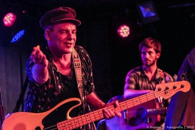 Rodrigo Santos promove bailão do rock em show de lançamento do novo disco | Música | Revista Ambrosia