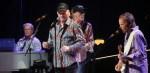 Mike Love dos Beach Boys lança versão de 'Rockaway Beach' dos Ramones | Música | Revista Ambrosia