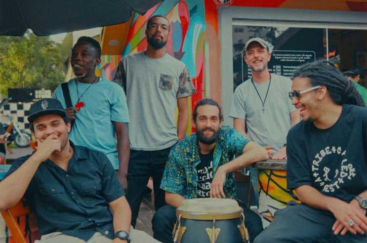 "- Wugala Flama 5 - Cantor congolês radicado no Brasil, Wugala Flama apresenta ""Melanine Song"" na OFilme Sessions"