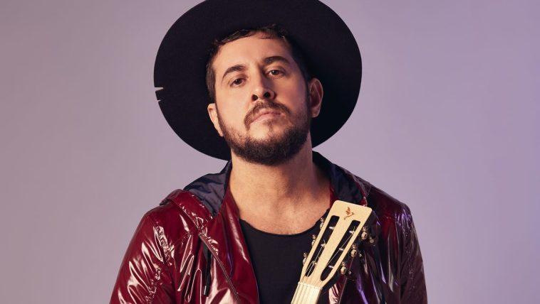 Entrevista: Rodrigo Suricato abre a alma e fala sobre o novo álbum | Música | Revista Ambrosia