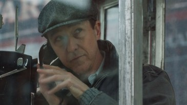 "- maxresdefault 161 - ""Brooklyn – Sem Pai Nem Mãe"": filme com Bruce Willis e Edward Norton divulga trailer"