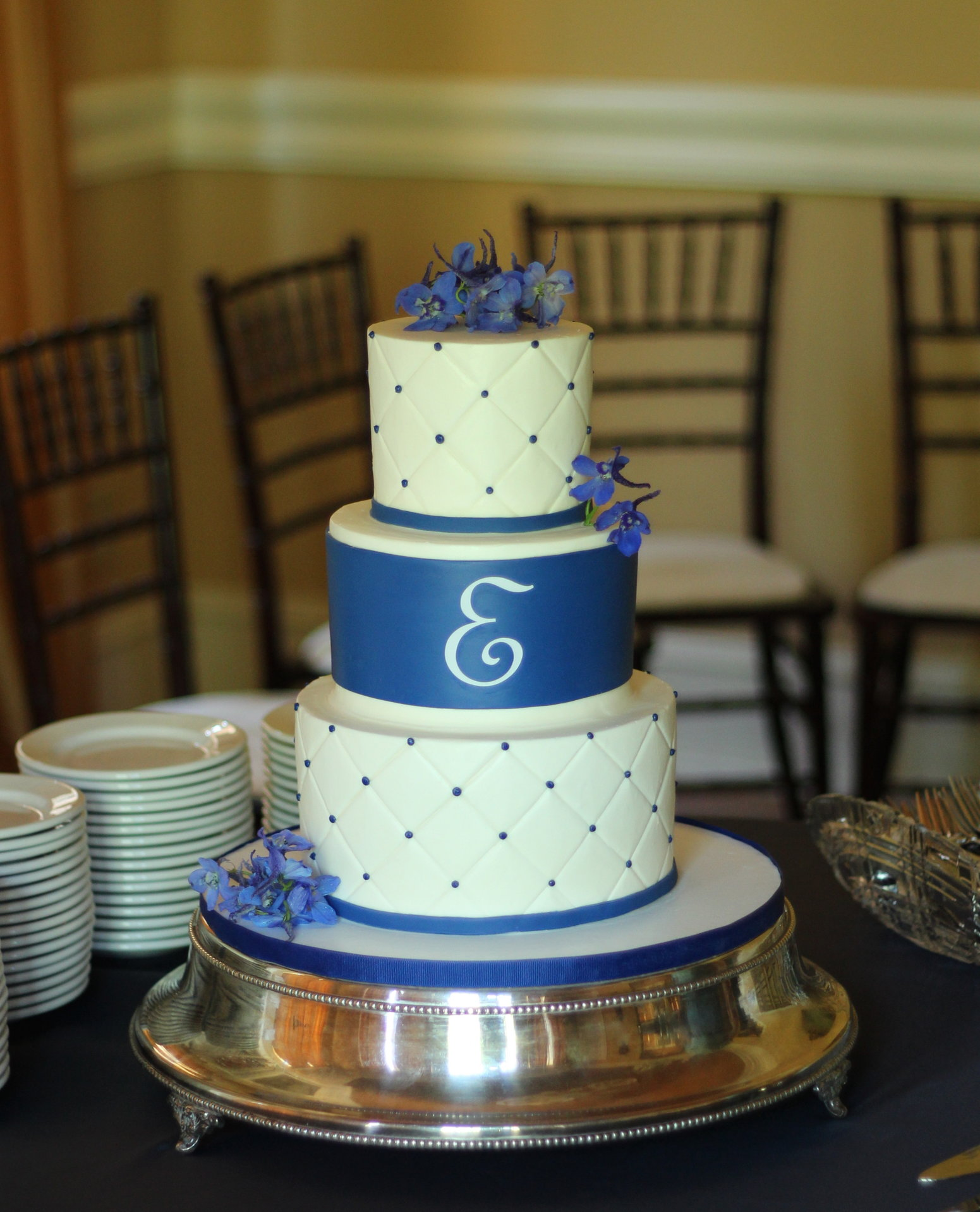 Royal Blue Wedding Cake   Ambrosia Cake Creations Royal Blue Wedding Cake