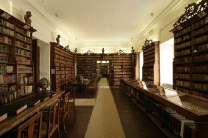 A Klimo Könyvtár impozáns belső tere