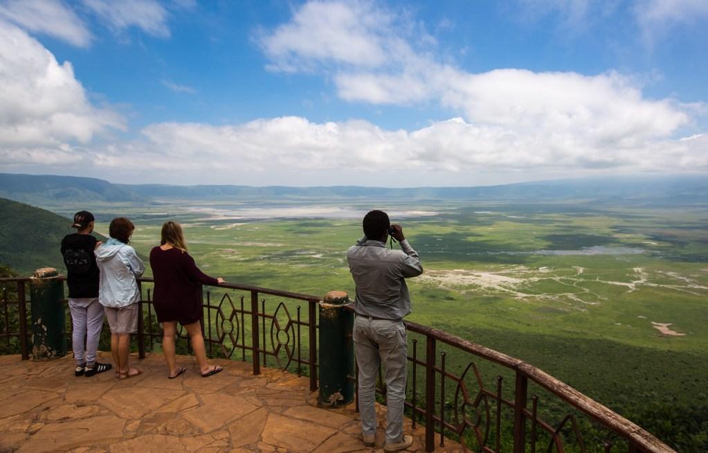 ngorongoro-crater-2735622_1280