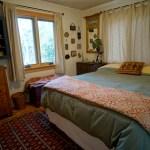 Oregon-Yoga-retreat-Play-Farm-bedroom-2