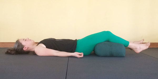 yoga-corpse-pose-to-relieve-lower-back-tension