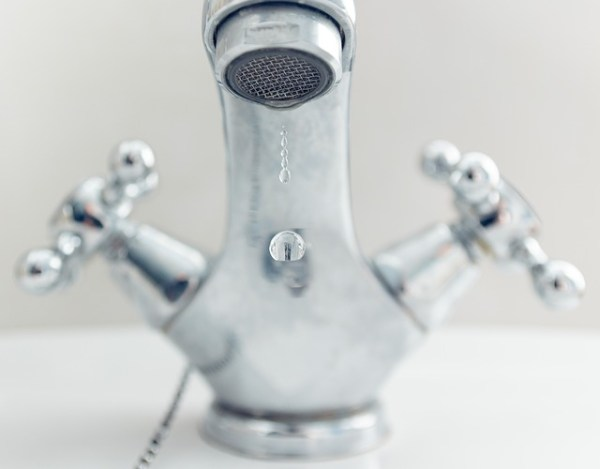 hot-water-faucet-natural-face-wash