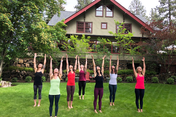 outdoor yoga classes in Bend Oregon