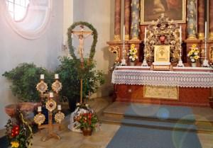 Why Catholics use flowers