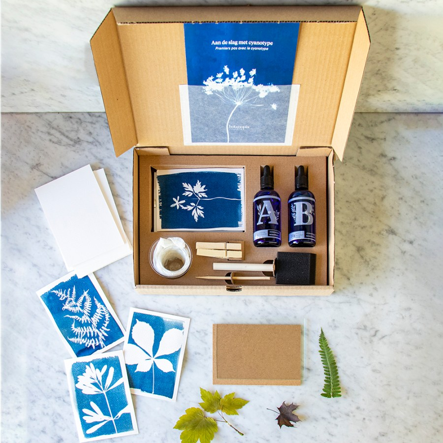 Botanopia-DIY-Cyanotype-kit-collection-overview-s