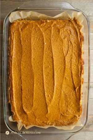 pumpkin pie spice bars gluten free and vegan in baking pan