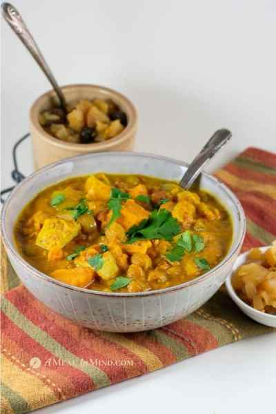 slow cooker sweet potato chicken curry from the side