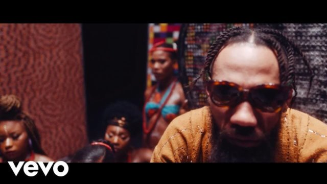 VIDEO : Vibe – Phyno Ft Flavour