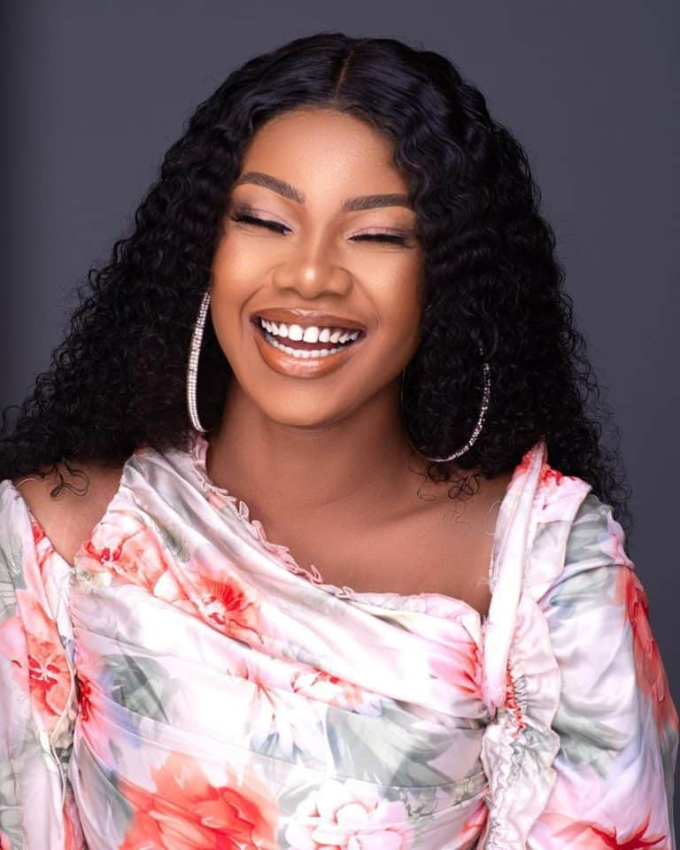 Tacha twerks up a storm in a recent video on IG