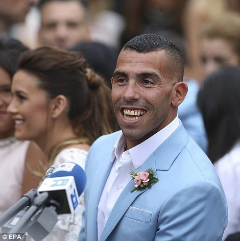 tmp_4890-3b943d4800000578-4059244-reasons_to_be_cheerful_an_ecstatic_tevez_beamed_following_the_of-a-19_14824289564151246444485
