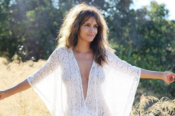 Braless Photo Halle Berry Posted