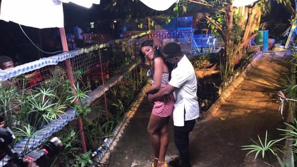 Sarkodie And Seyi Shay In Romantic Photos While On Set (3)