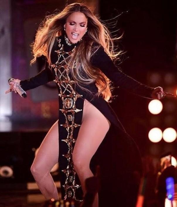 Jennifer Lopez Rocks Thigh Slashing Fausto Puglisi Dress (3)