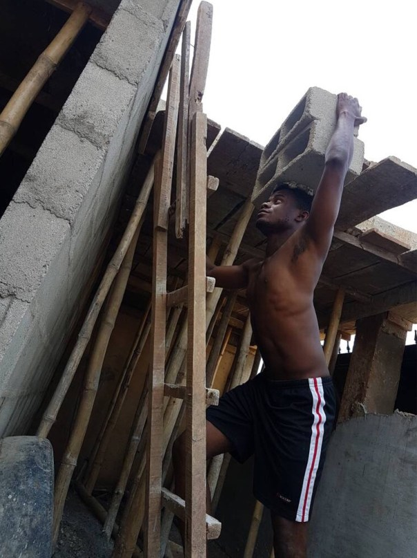 Weflo Spotted As A Bricklayer (2)